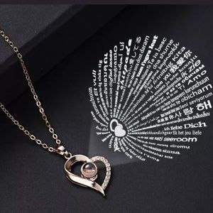 "Beautiful heart necklace with ""I Love you"" prism"